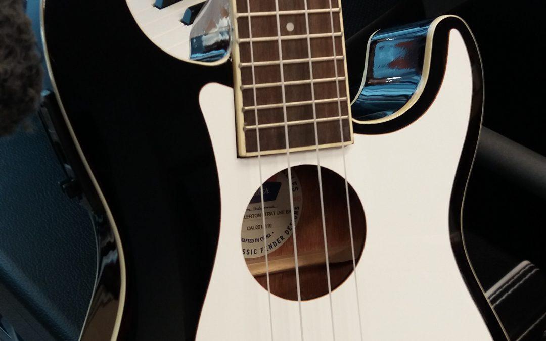 Cooles Teil, die Fender Fullertone Strat Ukulele
